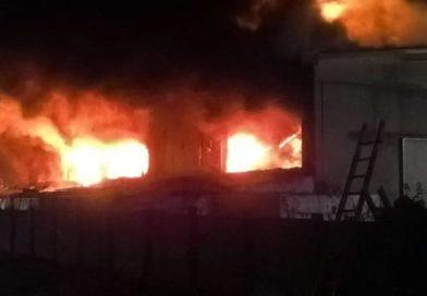 L'incendio in provincia di Pavia e la terra dei fuochi lombarda